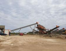 Constmach vibrating screen SAND SCREENING AND WASHING PLANT